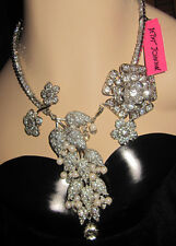 BETSEY JOHNSON SOMETHING NEW LOTS OF BLING AND FLOWERS STATEMENT NECKLACE