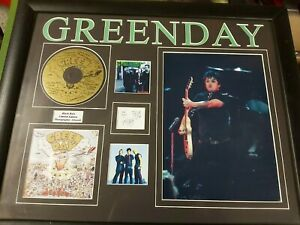 GREEN DAY SIGNED PICTURE DISC LIMITED EDITION 'BLACK RAIN' & POSTER