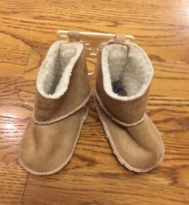 Baby Gap Boots Booties Shirpa Beige 3-6 Months