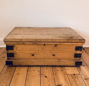 PINE CHEST, ANTIQUE Wooden Blanket TRUNK, Coffee TABLE, Storage BOX, Vintage,Old