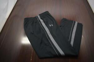 42402 Mens Under Armour Loose Performance Black Track Sweat Pants Size Medium