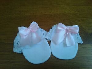 newborn baby girls white anti scratch mittens with lace and pink bows new