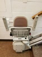 Acorn stairlift 120 left or right. Up to15 steps. 347..730.1812 install availabl