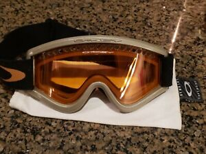 VINTAGE OAKLEY SNOW SKIING GOGGLES