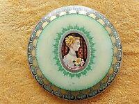ancienne boite ronde à bonbons- tôle lithographiée 1960-portrait de femme