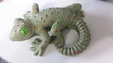Gecko statue
