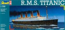 R.M.s. Titanic Plastic Kit 1:700 Model 05210 REVELL