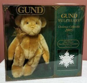 Gund - Yuleberry Bear w/Porcelain Snowflake Ornament, X-mas Collect, 2005, NRFB