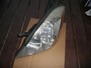 07 - 10 HYUNDAI ENTOURAGE DRIVER HALOGEN HEADLIGHT