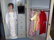 "Franklin Mint- Jackie Kennedy 16"" doll Wardrobe Trunk Set (Doll +7 outfits)"