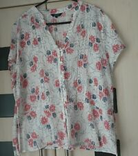 Maine Cream Blue & Red Floral  Top Size 22. Tie Back.  Good Condition