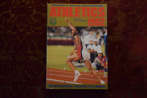 Athletics 1992: International Track and Field Annual (Paperback)by Peter Mathews