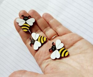 Cute wooden bees, flat back for craft making, scrapbooking ,embellishments.