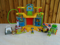 Paw Patrol Jungle Monkey Temple Playset Plus Jungle Vehicles & Figures 🐾