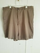 IZOD GOLF NWT SIZE 42 BROWN FLAT FRONT MEN'S SHORTS