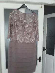 jjs house mother of the bride dress.beautiful lace and chiffon dress.size 16