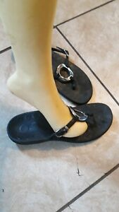 Fabulous Vionic with Orthaheel Black Toe Post Orthotic Sandals! Women's Size 9