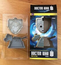 2 x DOCTOR WHO CYBERMAN & K-9 Easy Release Cookie / Icing Cutters - Party BNIB