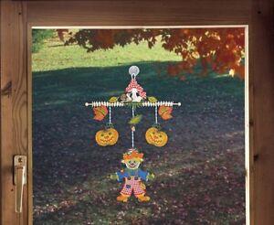 Fensterbild Windspiel Herbst Vogelscheuche Plauener Spitze Herbstdeko