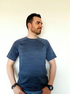 T-shirt Pour Le Sport Kirkland Signature Bleu Taille M Comme Neuf