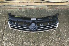 Vauxhall Astra H Front Grill plastic trim moulding 13225788 damage