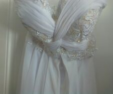 unbranded Beautiful wedding dress~ Preowned~ LQQK