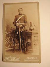 Landshut - stehender Soldat in Uniform - Säbel Gurt Parade-Helm / CDV