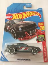 Hot Wheels 2005 Ford Mustang 2019