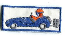 AUTOMOBILE décapotable voiture ancienne bleu fond blanc écusson / patch 7x 3 cm