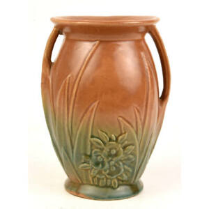 MCCOY POTTERY BROWN AND GREEN BLENDED DOUBLE HANDLED VASE