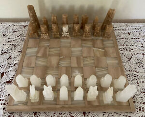 """Vintage Hand Carved 14"""" x 14"""" Chess Set Mexican Aztec Marble Onyx"""