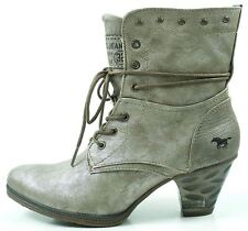 Mustang Ladies Silver Heeled Cowboy Style Ankle Boots