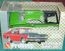 AMT PRO SHOP 1971 PLYMOUTH DUSTER 340 GREEN 1/25 PREPAINTED PLASTIC MODEL KIT