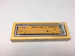 HO scale Life-Like Green Bay Western  Thrall All Door box Car 8990