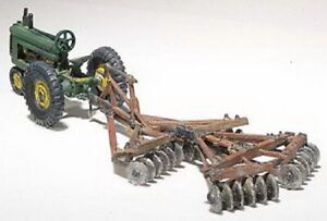 Woodland Scenics D207 HO 1938-1946 Disc & Farm Tractor Kit (Pack of 10)