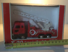 Camion de pompier miniature Diapet Yonezawa 1/55 Isuzu Ladder Fire Engine