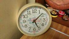 "Vintage New Haven Quartz Wall Clock,10"",country theme,works great,vg!"