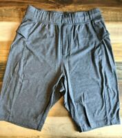 LULULEMON Men's Gray Shorts Sz Small