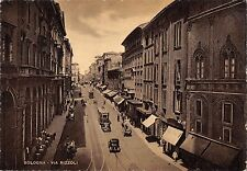 BT2511 via Rizzoli car voiture tramway Bologna        Italy