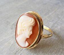 Muschelgemme Kamee Ring aus 750 Gold (gestempelt)