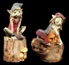 Pixie Figuren - Sitzen auf dem Baumstamm - 2er Set - Anthony Fisher Kobold