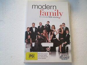 MODERN FAMILY - SEASON 5 - 3 Disc DVD Set - REGION 4 - PAL - Free Postage