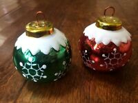*Christmas Holiday Salt & Pepper Shakers Ceramic Red Green Ornaments w Snowflake