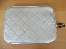 "TYPO-LAPTOP SLEEVE 10"" -SILVER STITCH"