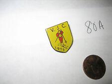 VINTAGE 1975 V.J.C. CROSS COUNTRY SKIING SKI PIN BADGE VJC
