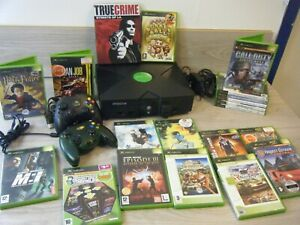 ORIGINAL XBOX BUNDLE CONSOLE 2 CONTROLLERS LEADS AND 20 GAMES