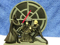 """Star Wars 1998 """"Clash of the Jedi"""" Resin Diorama With missing light saber"""