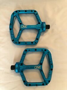 OneUp Components Aluminum Flat Pedals - Blue
