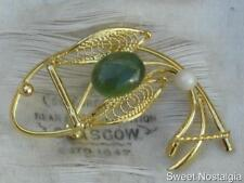 CUTE VINTAGE 60/70'S GOLD PLATED WIRE WORK JADE STONE & REAL PEARL FISH BROOCH