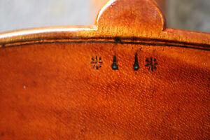 4/4 Violine, sehr alt, angeschäftet, old, violin, Geige, Brandstempel